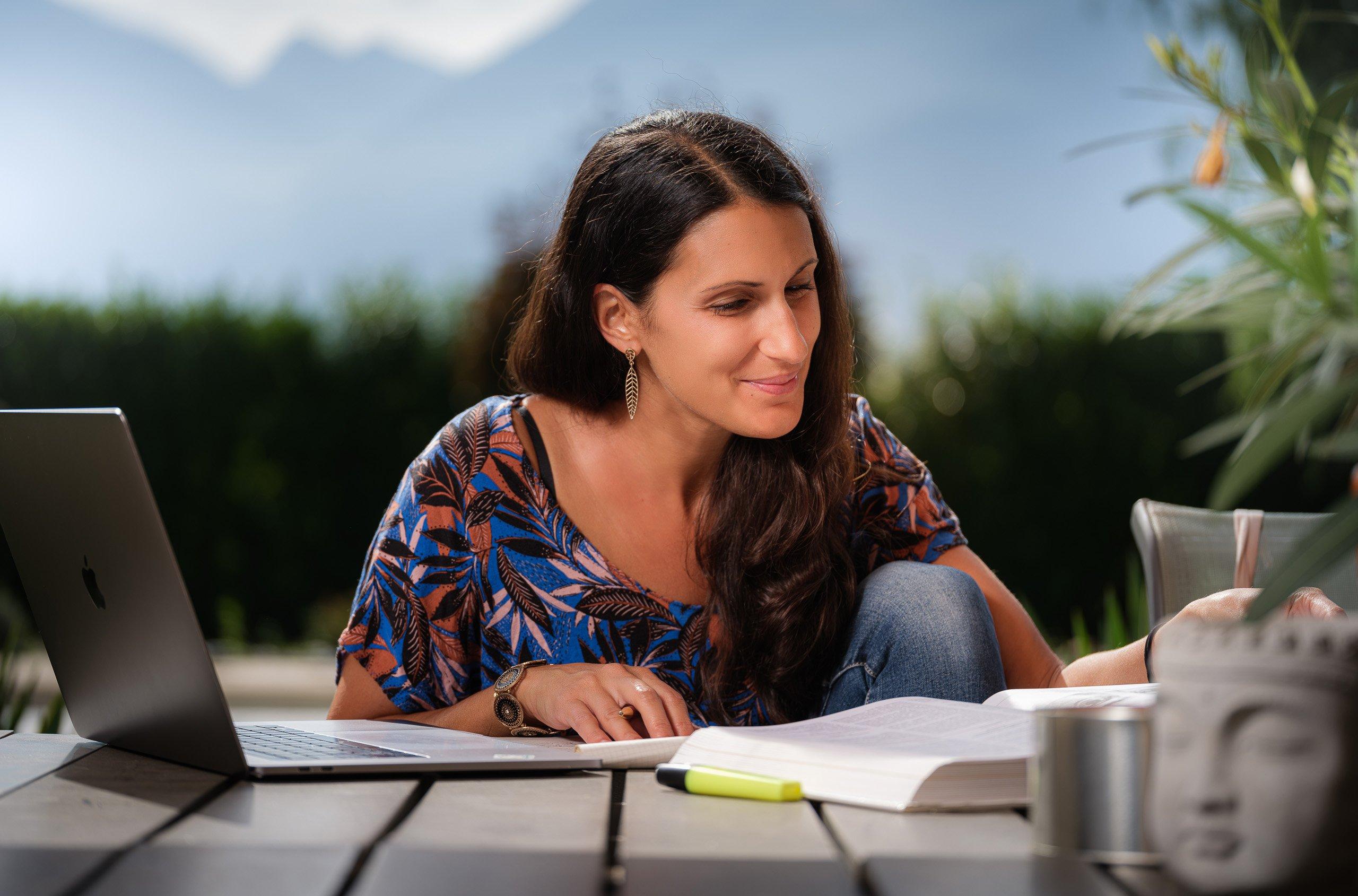 Online Studium an der FernUni Schweiz
